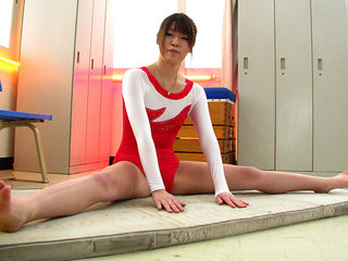 Aoyama Arisa blows a load again and again from toys